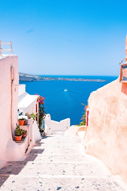 Here's What Happened When I Decided Travel Solo to Santorini