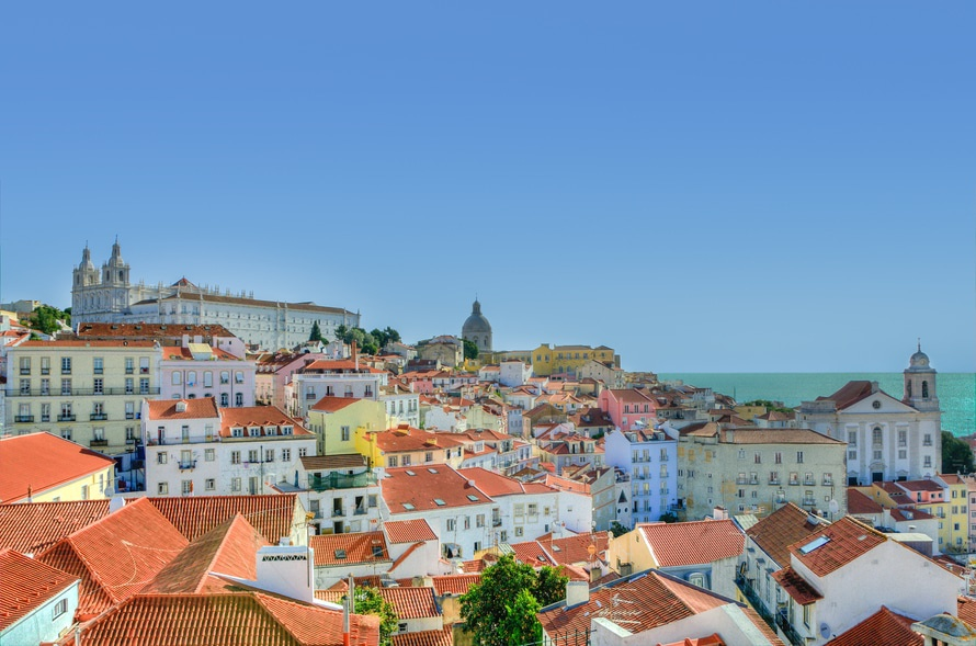 Solo Travel Portugal: How a Hostel in Lisbon Transformed My Travels!